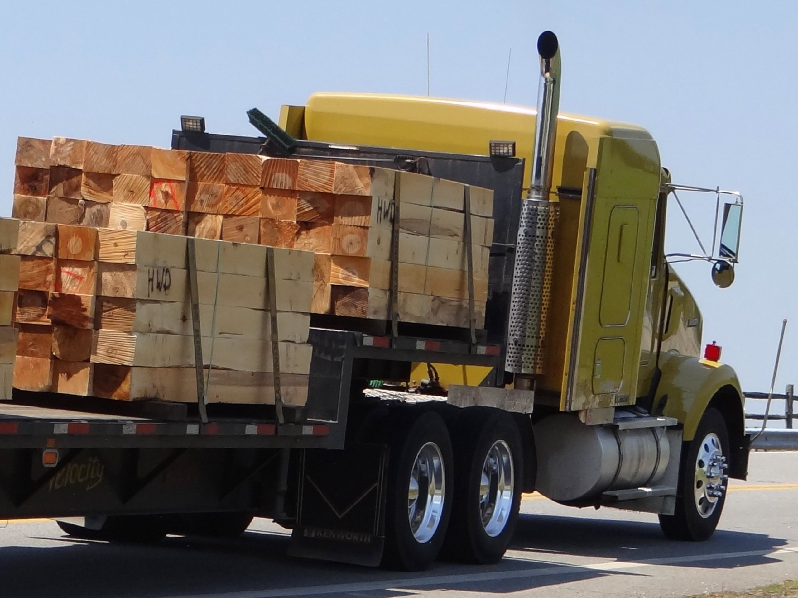 flatbed truck injuries