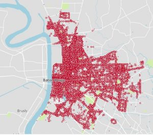 This map shows 170,324 reported accidents in Baton Rouge from January 1, 2020 to through July, 2020. The red areas are where accidents happen more frequently.